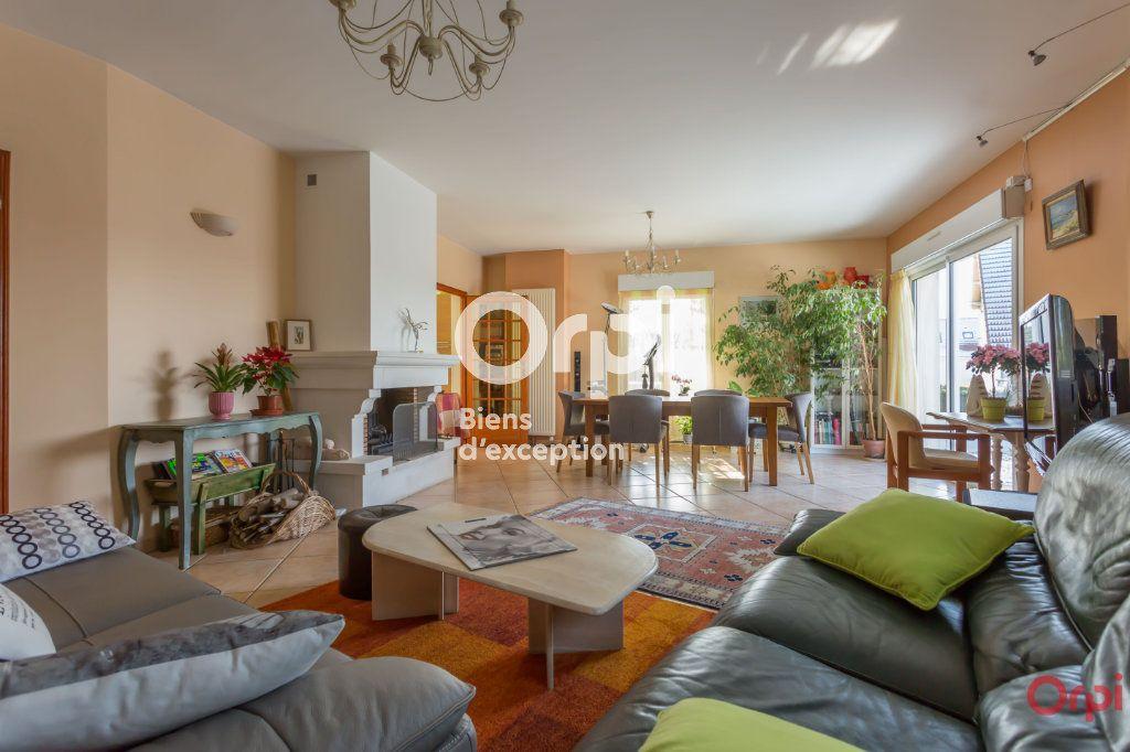 Maison à vendre 7 177m2 à Yerres vignette-5