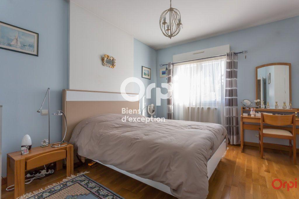 Maison à vendre 7 177m2 à Yerres vignette-7