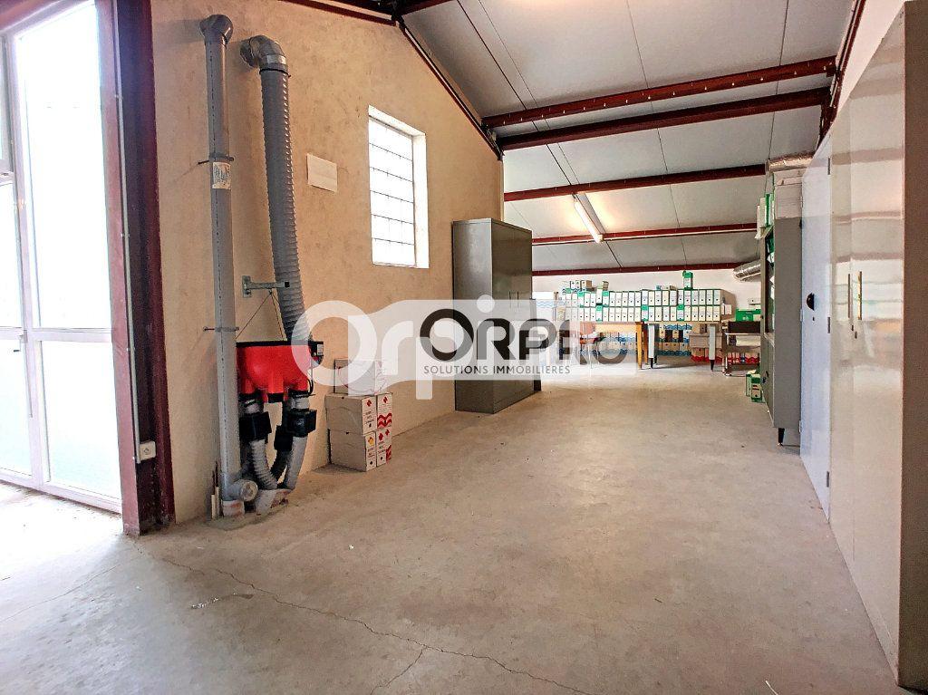 Bureaux à vendre 0 550m2 à Saint-Victor vignette-6