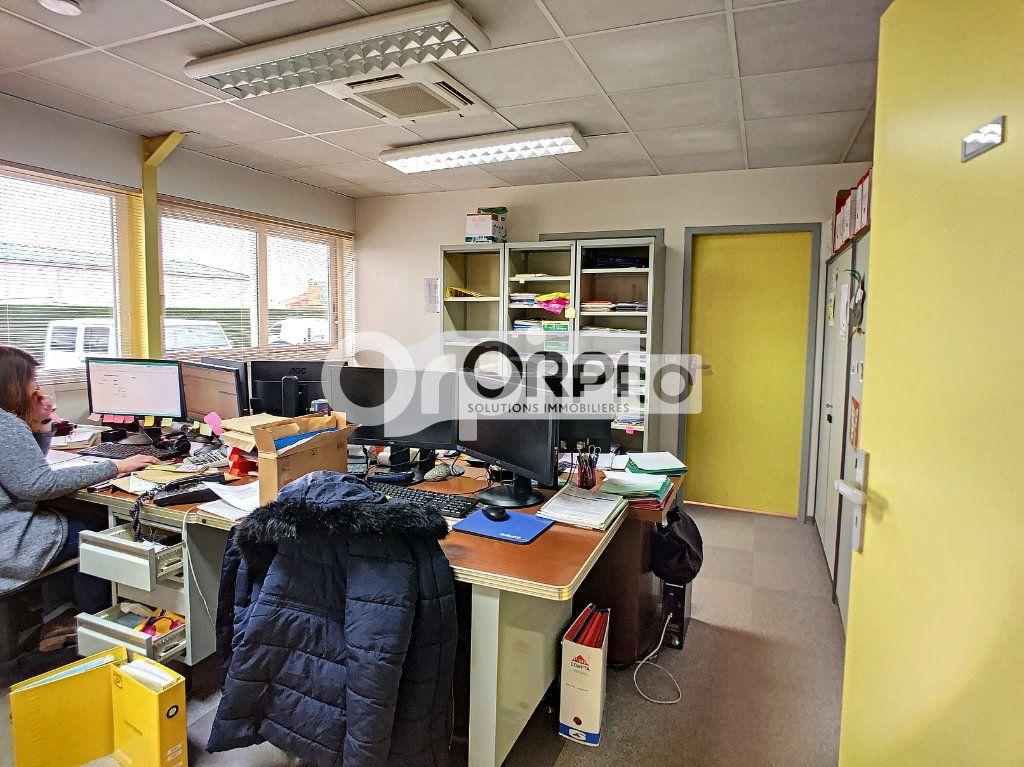 Bureaux à vendre 0 550m2 à Saint-Victor vignette-12