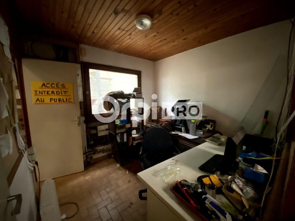 Entrepôt à vendre 0 600m2 à Le Fresne vignette-2