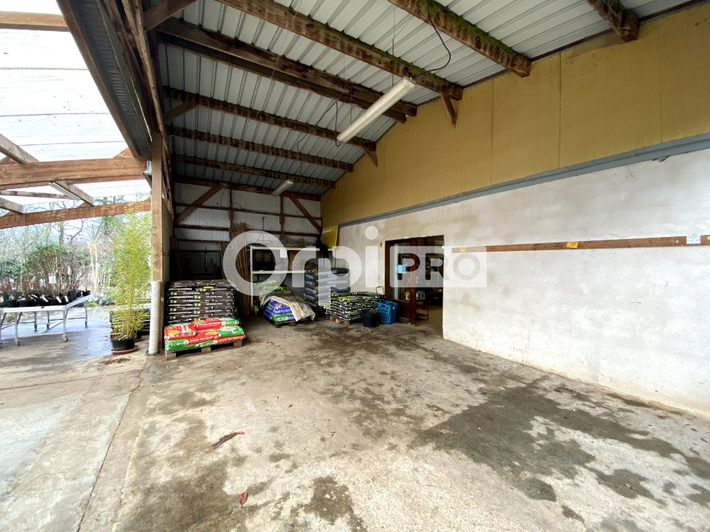 Entrepôt à vendre 0 600m2 à Le Fresne vignette-5