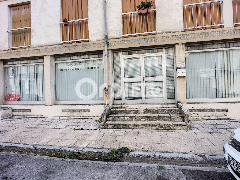 Local commercial à louer 0 86m2 à Avignon vignette-2