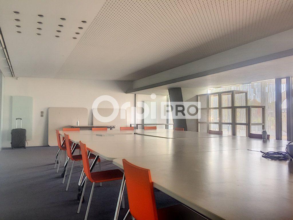 Bureaux à vendre 0 475m2 à Lille vignette-2