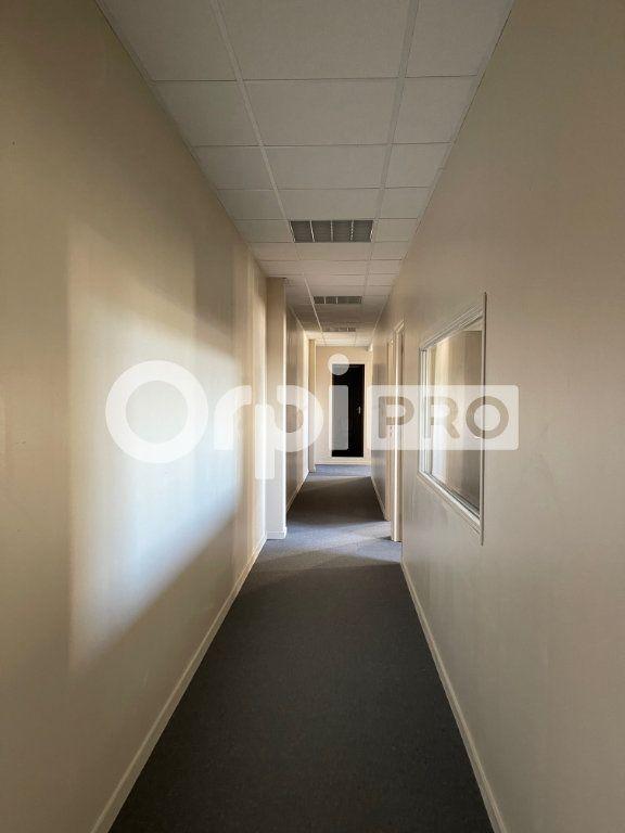 Bureaux à louer 0 110m2 à Verson vignette-9