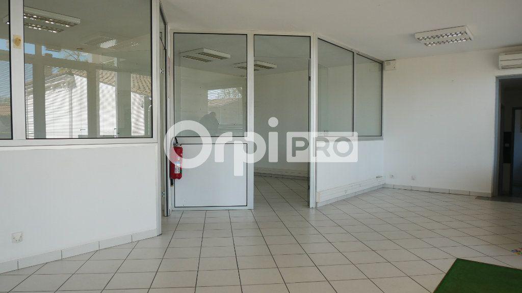 Bureaux à vendre 0 140m2 à Saint-Sulpice-et-Cameyrac vignette-2