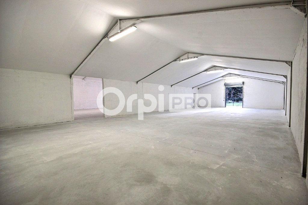 Entrepôt à louer 0 544m2 à Roquevaire vignette-8