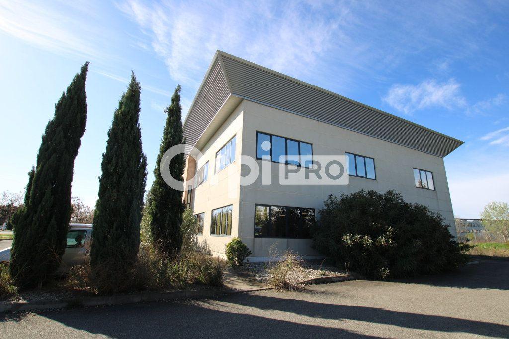 Bureau à louer 0 82m2 à Avignon vignette-1
