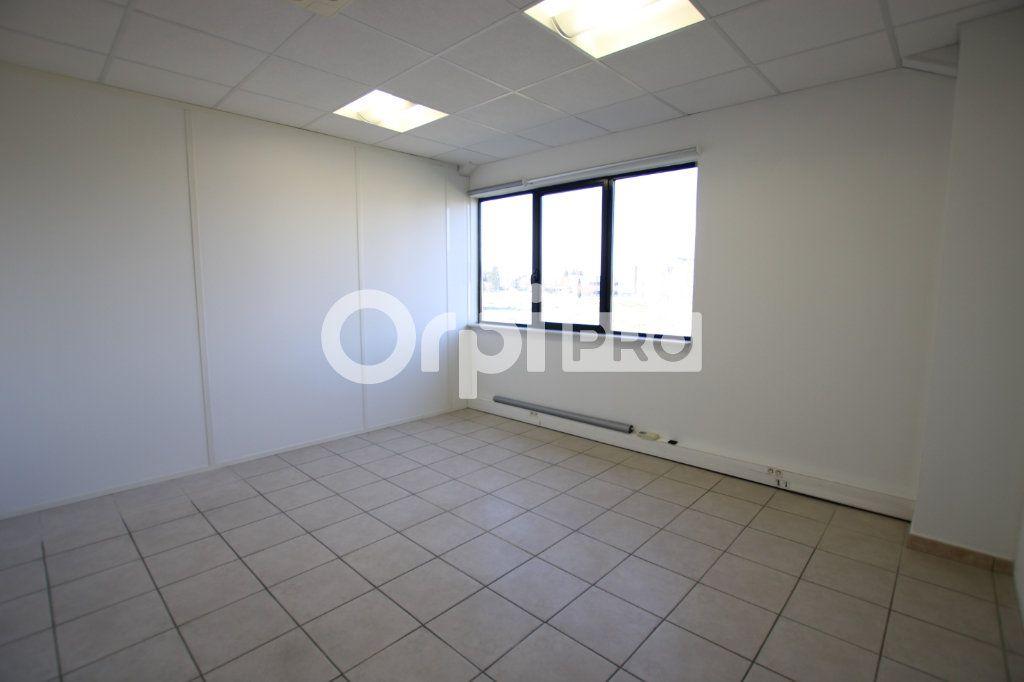 Bureau à louer 0 82m2 à Avignon vignette-5