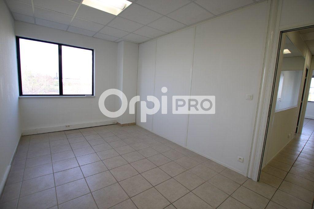 Bureau à louer 0 82m2 à Avignon vignette-6