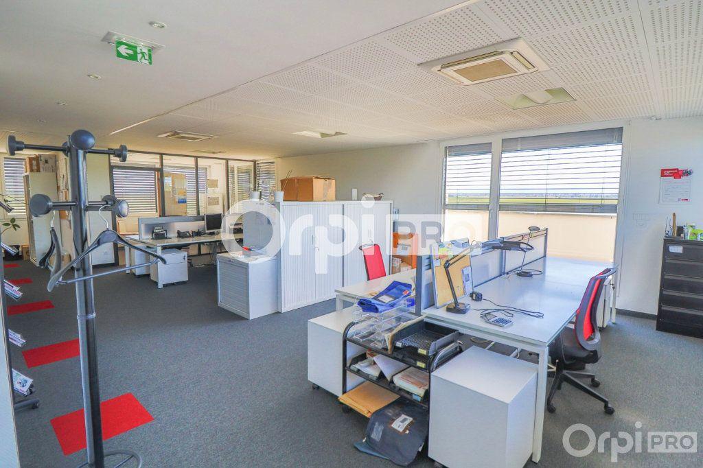 Bureau à louer 0 140m2 à Horbourg-Wihr vignette-3