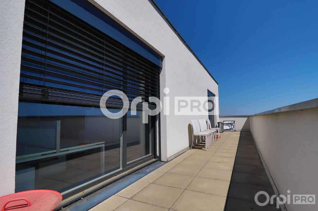 Bureau à louer 0 140m2 à Horbourg-Wihr vignette-8
