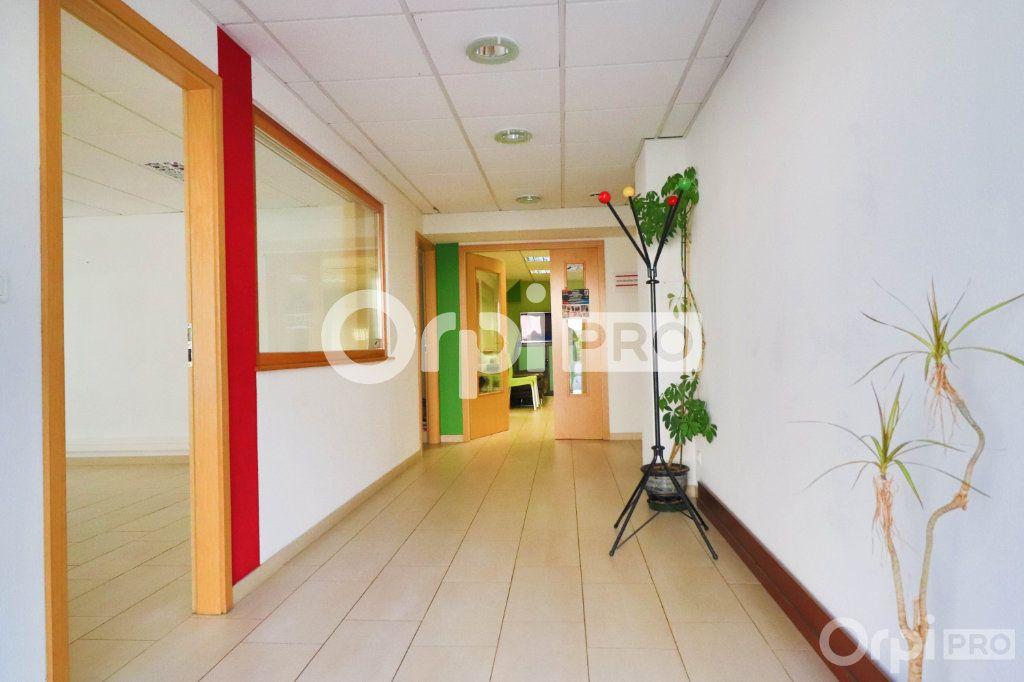 Bureau à louer 0 20m2 à Colmar vignette-3
