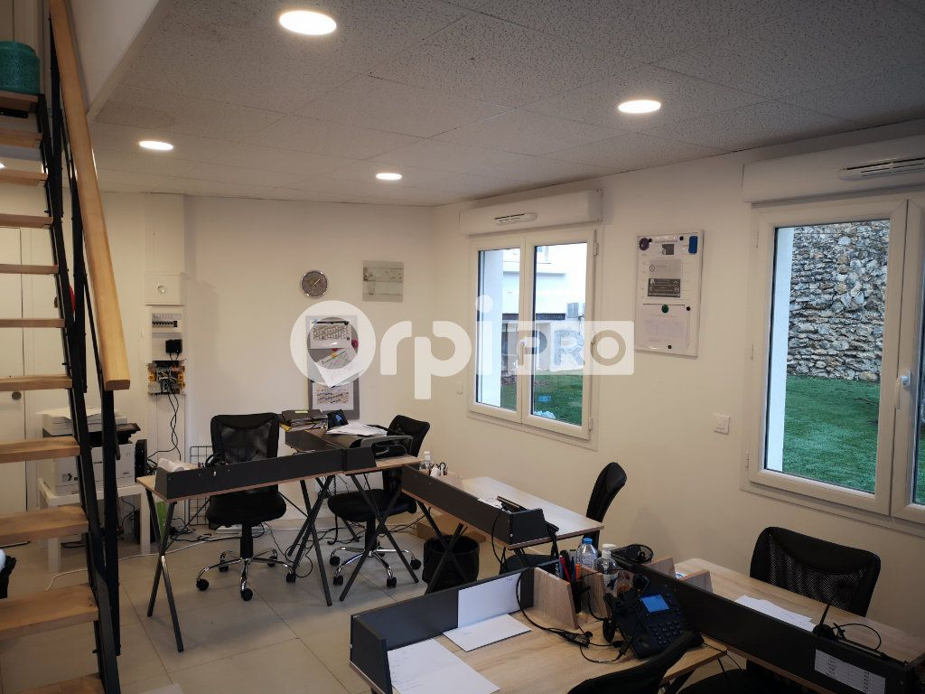 Bureau à louer 0 30m2 à Enghien-les-Bains vignette-2