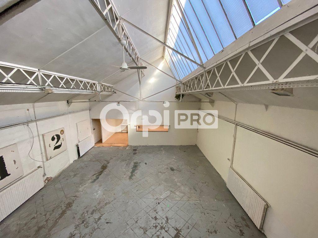 Entrepôt à louer 0 200m2 à Arcueil vignette-3