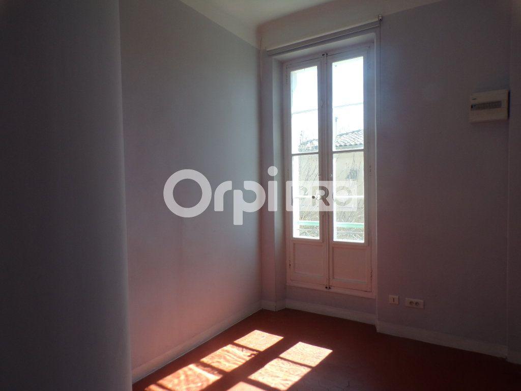 Bureau à louer 0 59m2 à La Tour-d'Aigues vignette-5