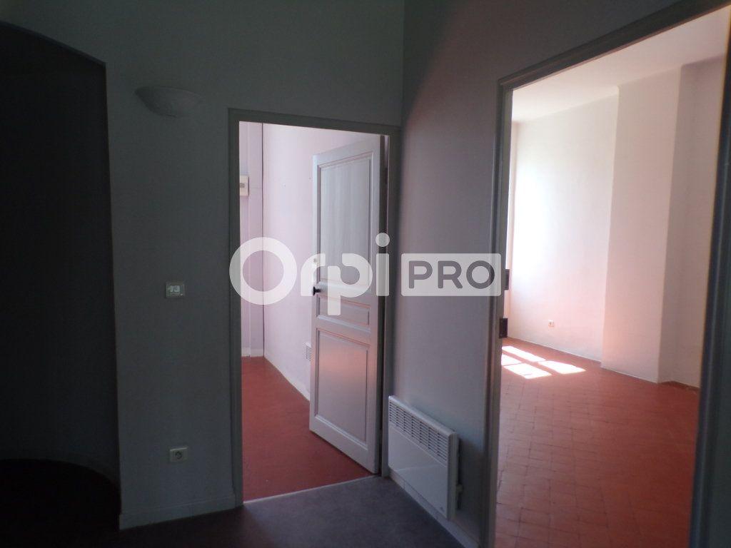 Bureau à louer 0 59m2 à La Tour-d'Aigues vignette-9