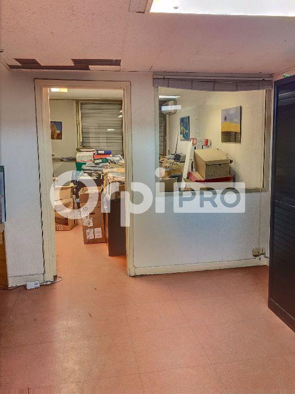 Bureau à vendre 0 60m2 à Nice vignette-3