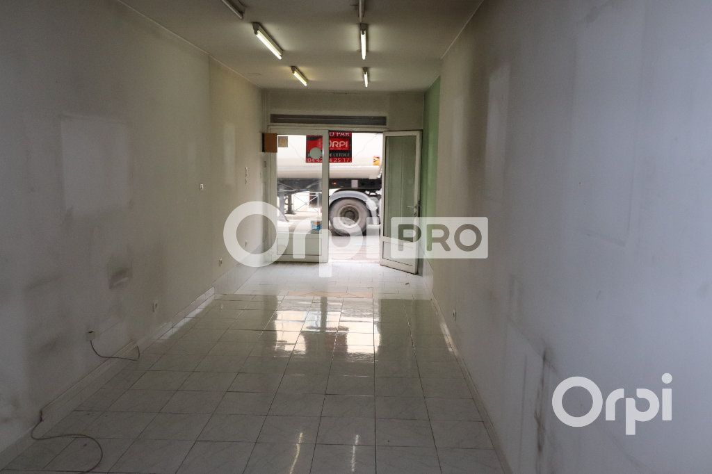 Local commercial à louer 0 52m2 à Roquevaire vignette-5