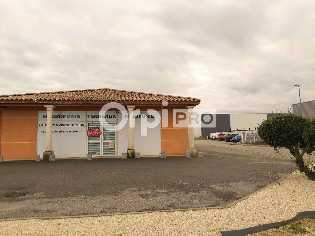 Local commercial à louer 0 209.89m2 à Montélimar vignette-1