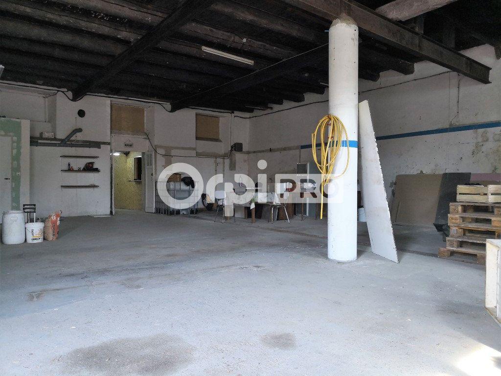 Entrepôt à louer 0 205m2 à Saint-Flour vignette-2