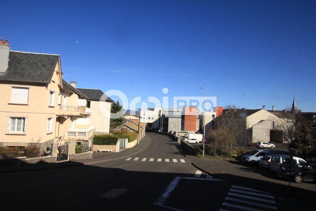 Local commercial à louer 0 90m2 à Saint-Flour vignette-1
