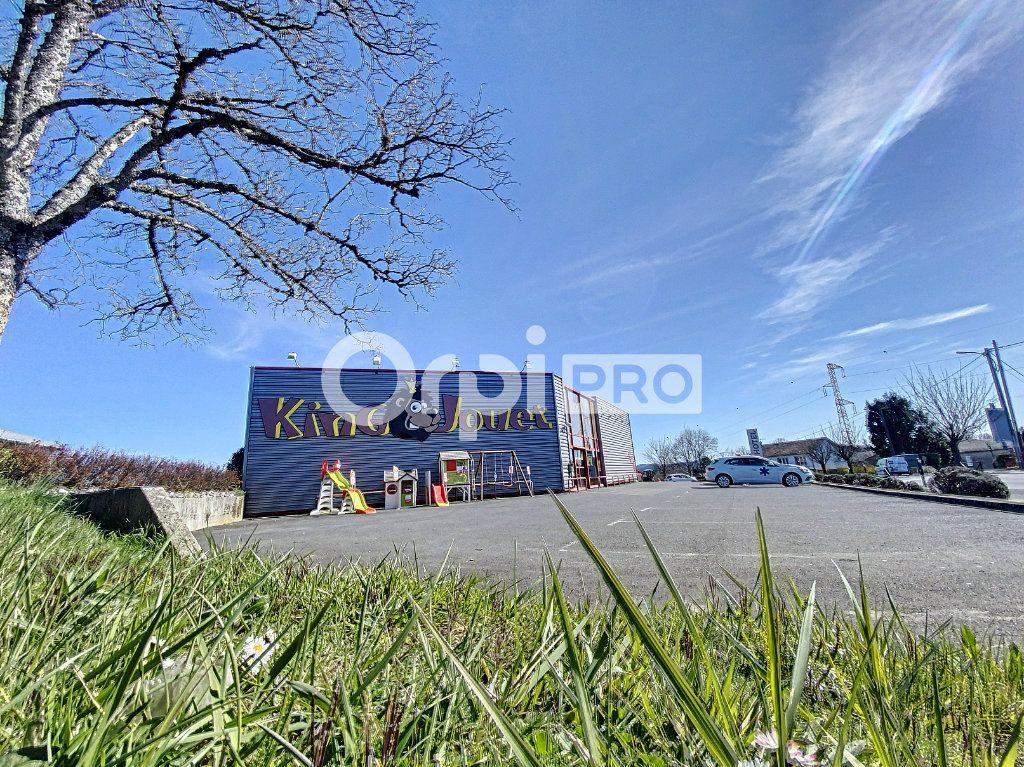 Local commercial à louer 0 660m2 à Aurillac vignette-2