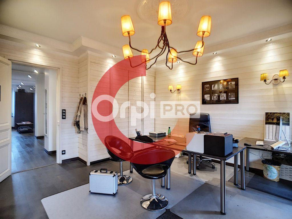 Bureau à louer 0 34m2 à Cholet vignette-6