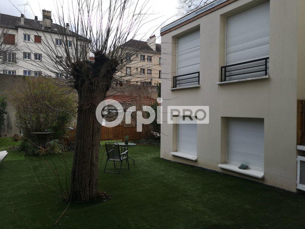 Bureau à louer 0 30m2 à Enghien-les-Bains vignette-1