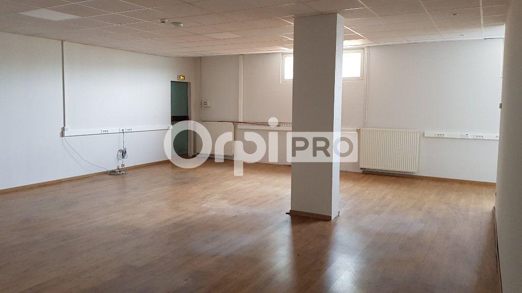 Entrepôt à louer 0 390m2 à Ensisheim vignette-4