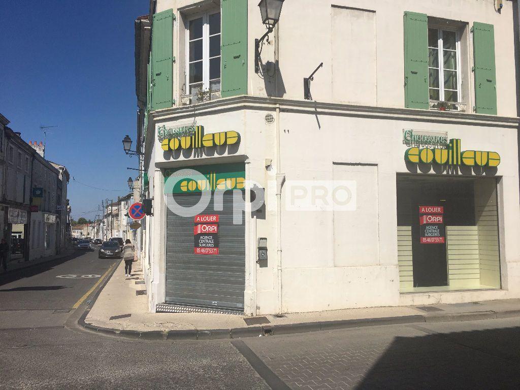 Local commercial à louer 0 370m2 à Surgères vignette-3
