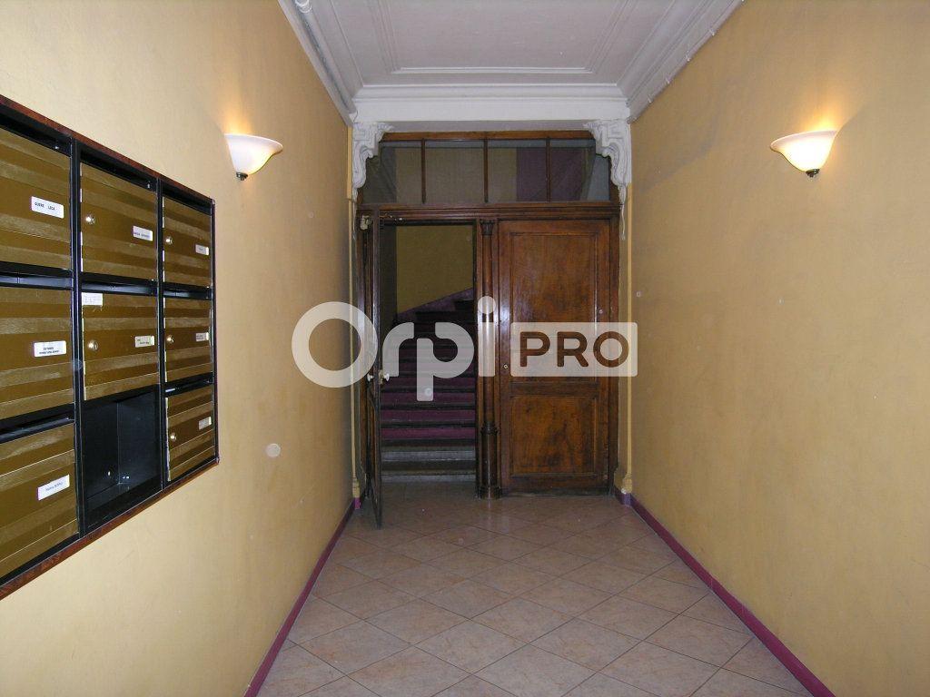 Bureaux à louer 0 50.59m2 à Toulon vignette-6