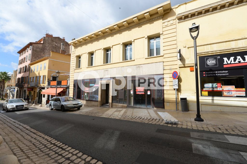 Local commercial à louer 0 200m2 à Grasse vignette-1