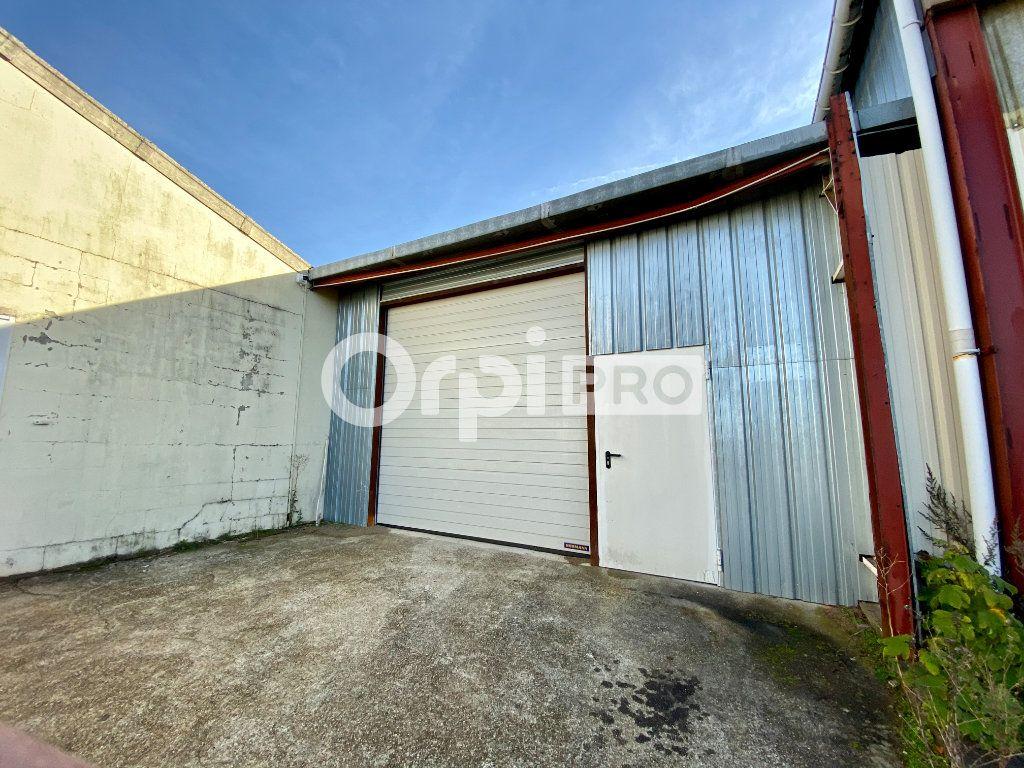 Entrepôt à louer 0 946m2 à Olivet vignette-5
