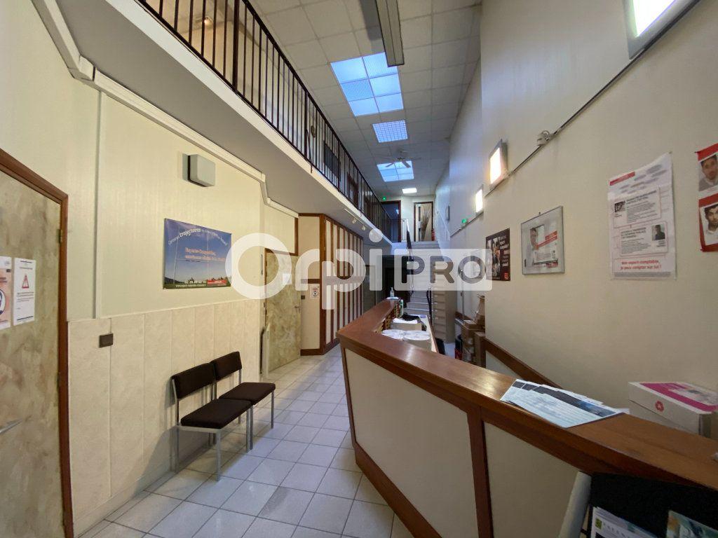 Bureau à vendre 0 400m2 à Dieppe vignette-3