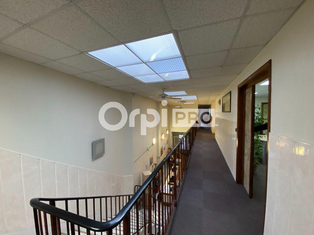 Bureau à vendre 0 400m2 à Dieppe vignette-10