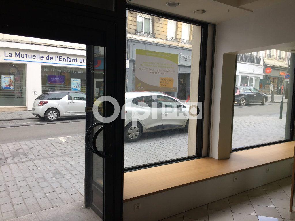 Local commercial à louer 0 52m2 à Arras vignette-1