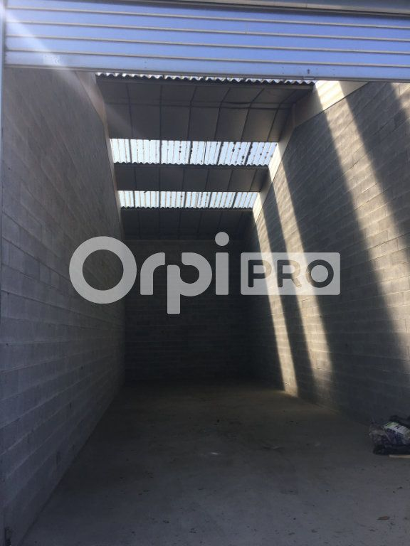 Entrepôt à louer 0 70m2 à Saint-Laurent-Blangy vignette-1