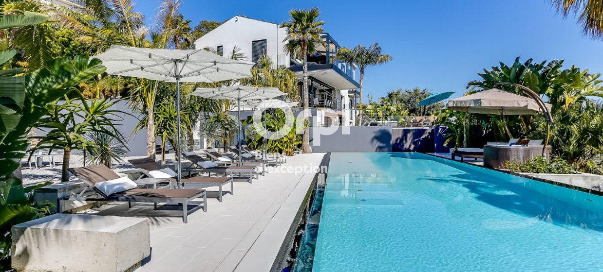 Maison à vendre 300m2 à Golfe Juan - Vallauris