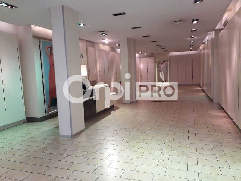 Local commercial à louer 160m2 à Montluçon