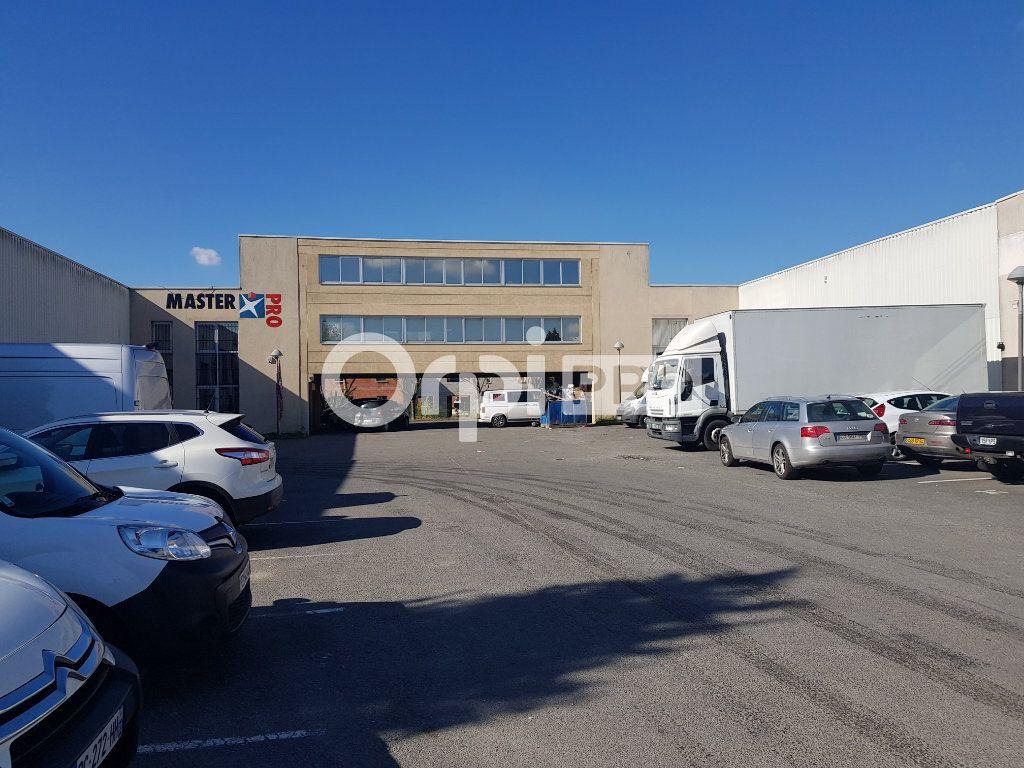 Bureaux à vendre 200m2 à Mitry-Mory
