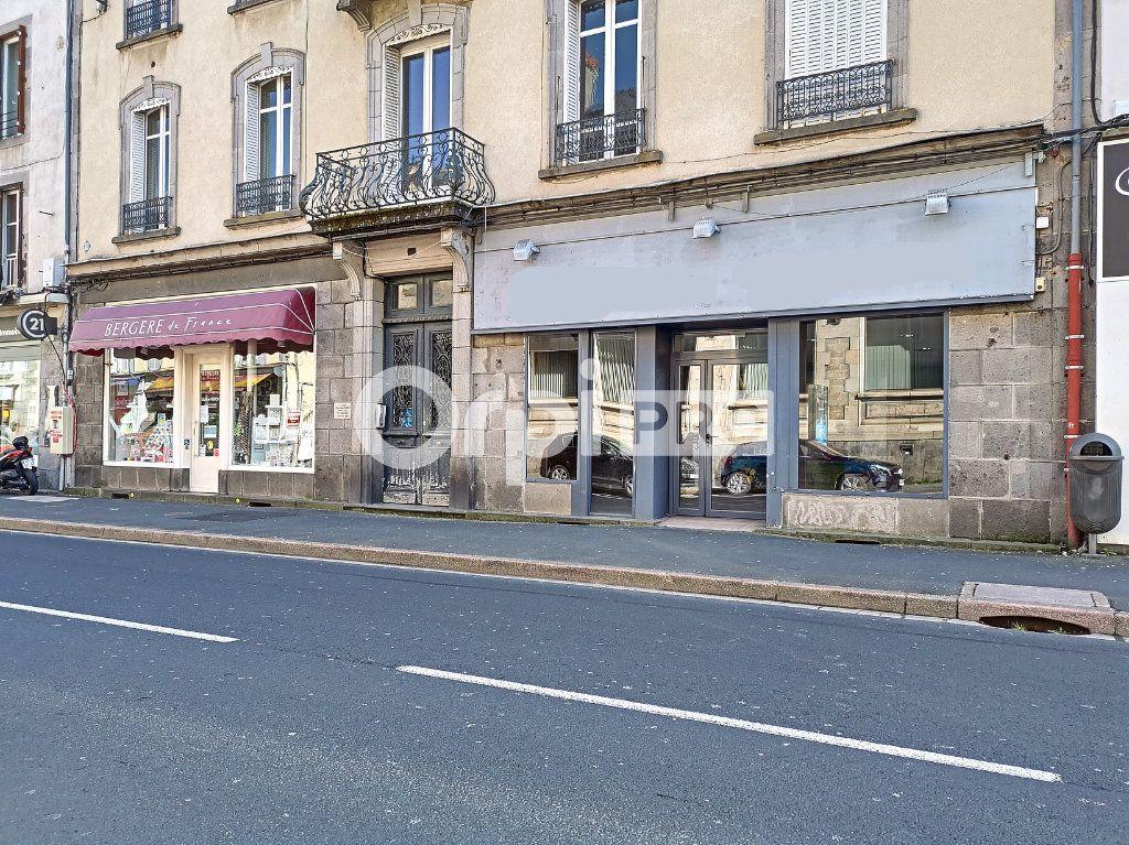 Local commercial à louer 98m2 à Aurillac