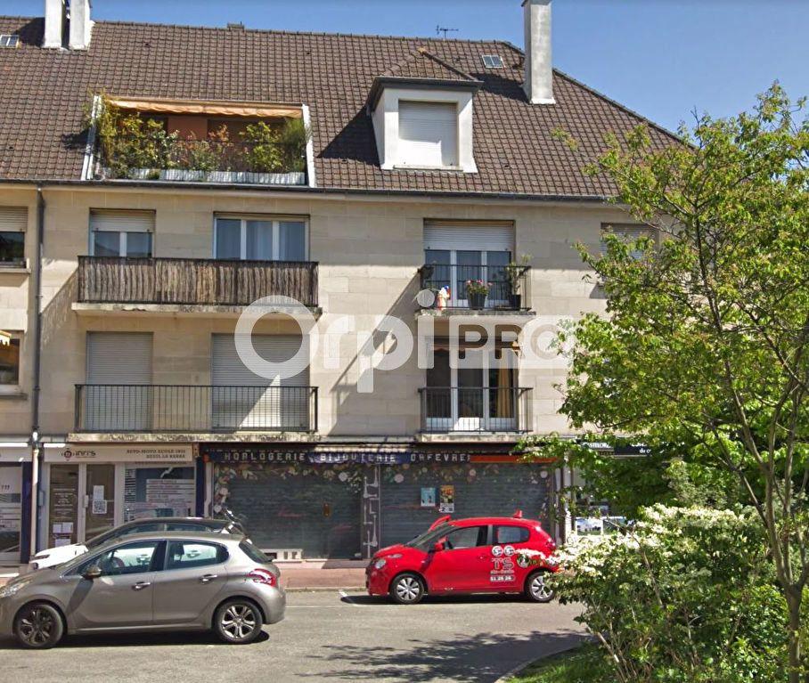 Local commercial à louer 81m2 à Deuil-la-Barre