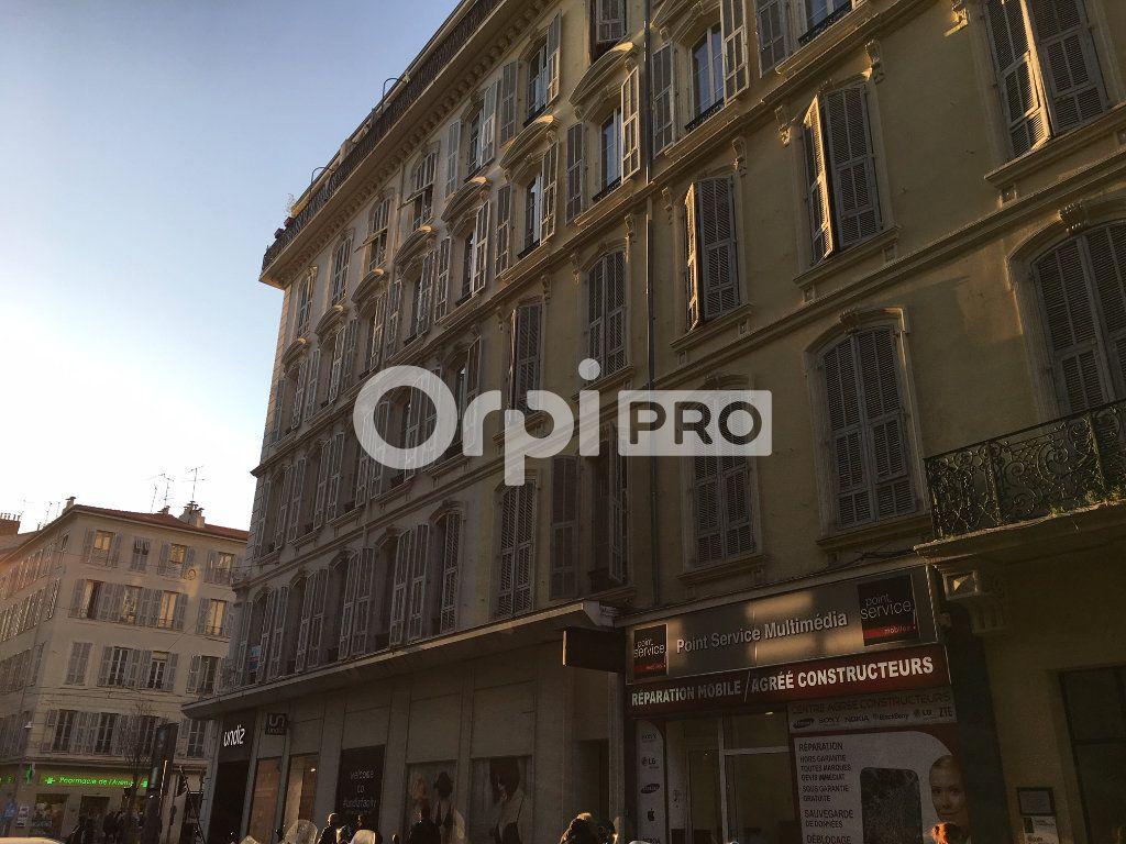 Local commercial à louer 169m2 à Nice
