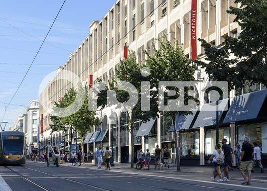 Local commercial à vendre 730m2 à Nice