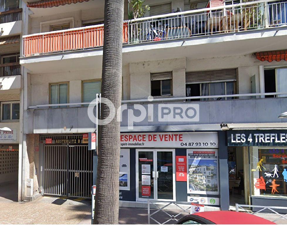 Local commercial à louer 30m2 à Cagnes-sur-Mer
