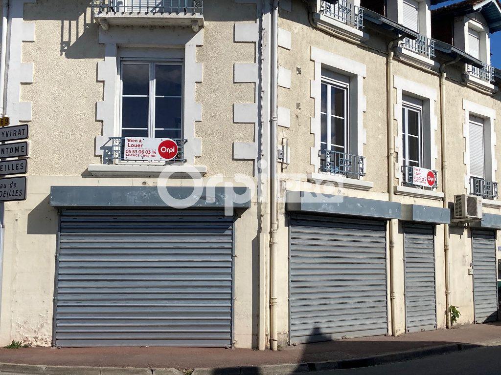 Local commercial à louer 35m2 à Agonac