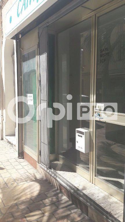 Local commercial à louer 40m2 à Cannes
