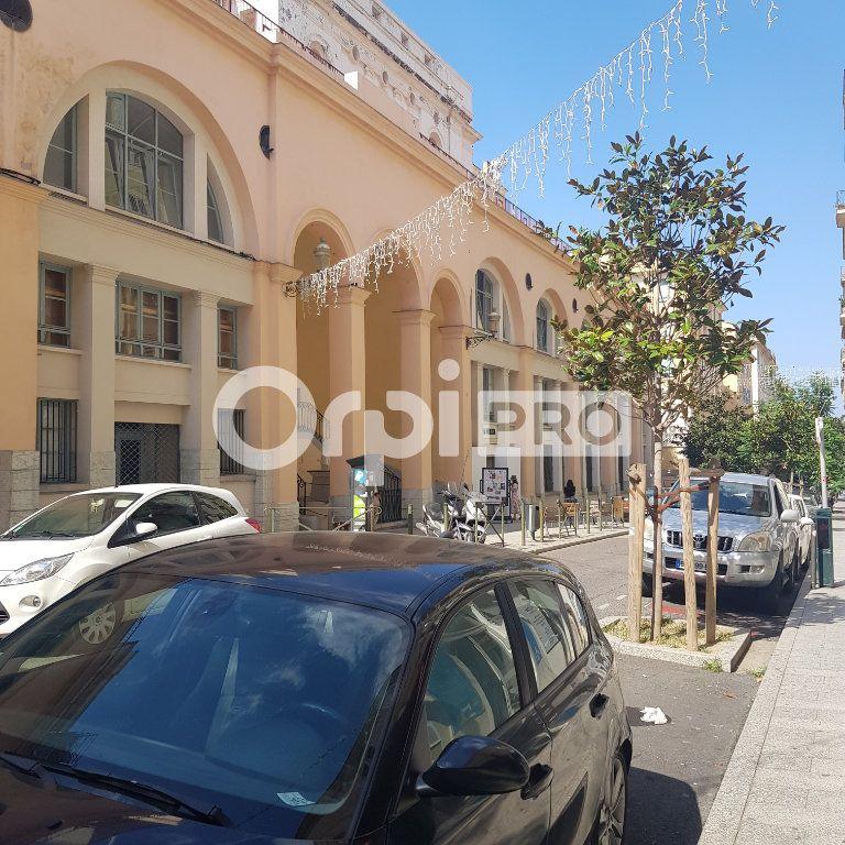 Cession de droit au bail à vendre 200m2 à Bastia