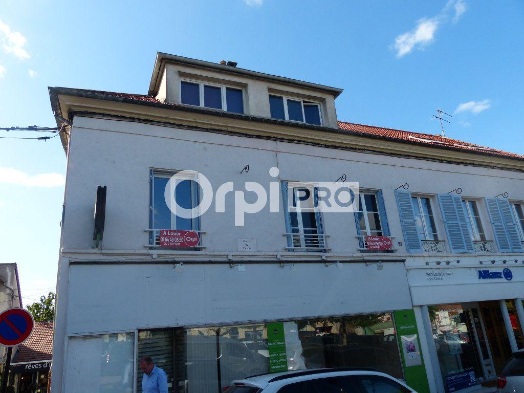 Local commercial à louer 24m2 à Montlhéry